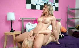 Dojrzałe Modelki Erotyczne - Cory Chase, Jane Wilde